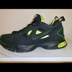 Nike Air Black compete TR 2 2011